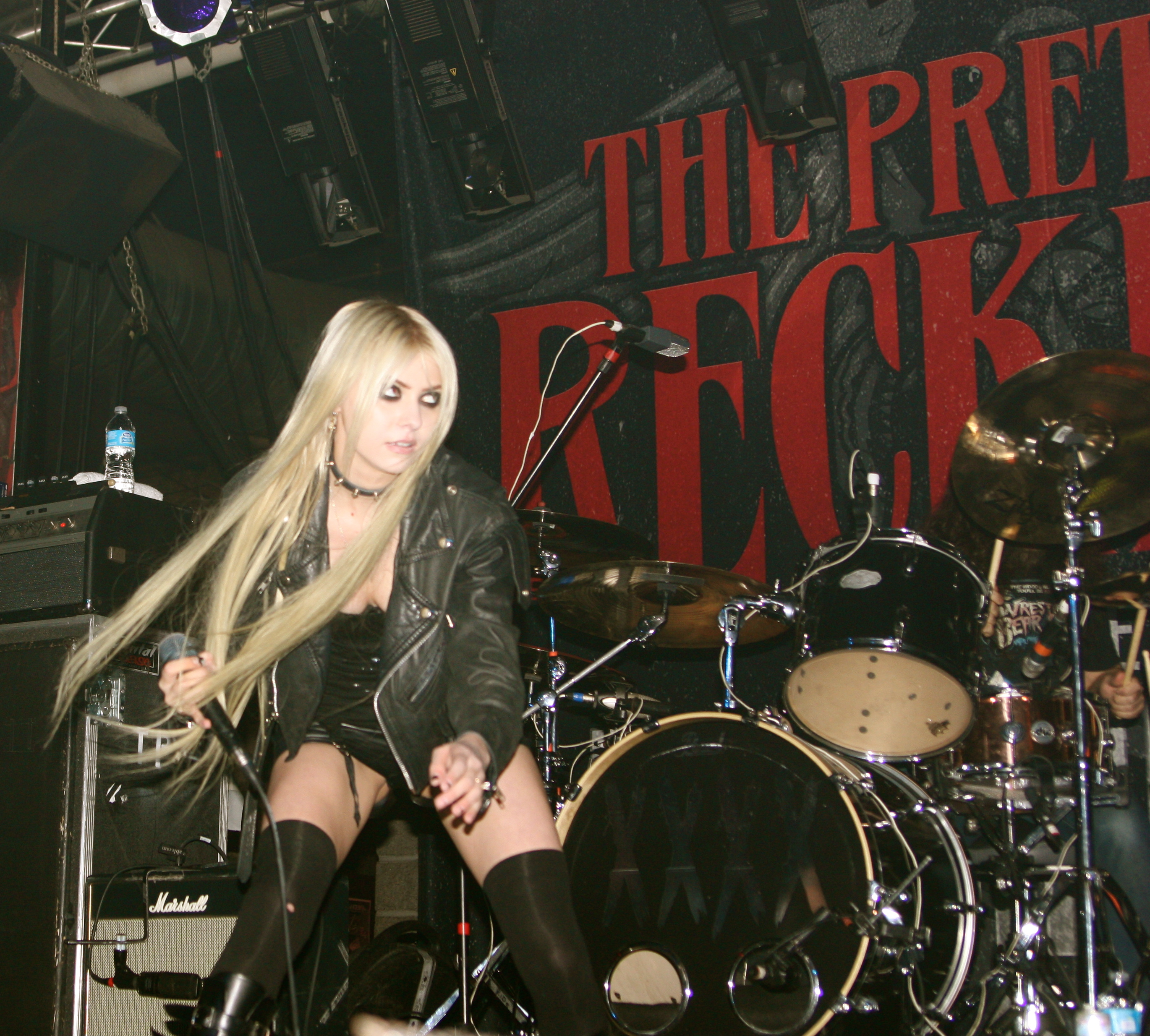 Backstage with Taylor Momsen of The Pretty Reckless