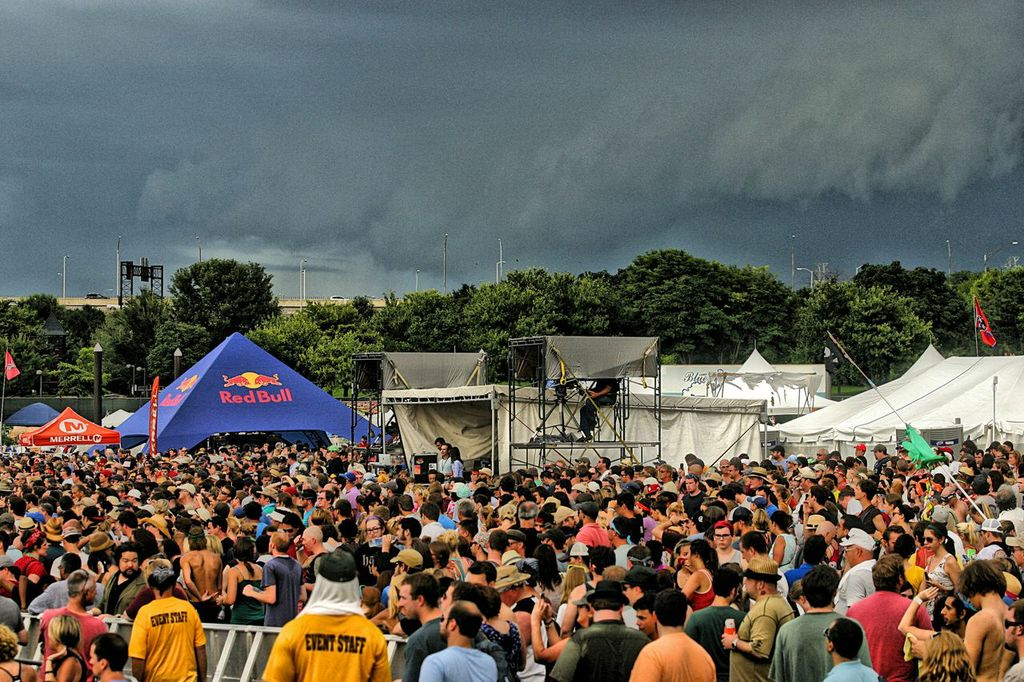 Threatening weather at Robert Plant