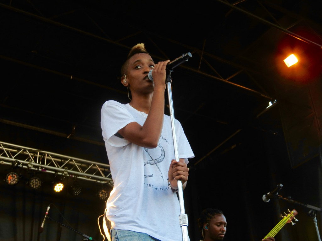 The Internet's Syd tha Kyd hypnotizes the crowd with her smooth vocals